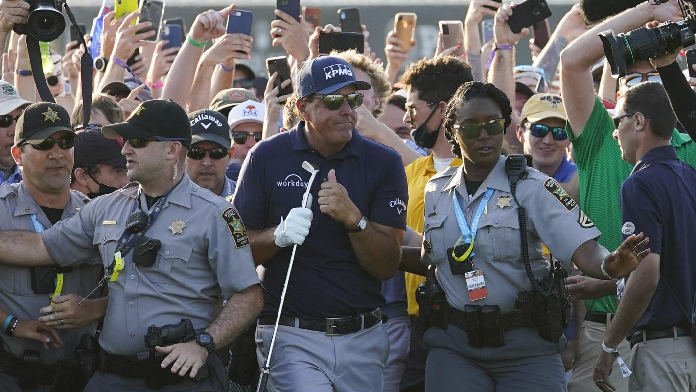 phil-continues-to-thrill:-mickelson-basking-in-glow-of-another-golf-major-–-azcentral.com